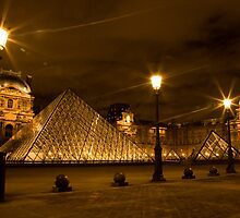 Louvre at night by Laura Fell