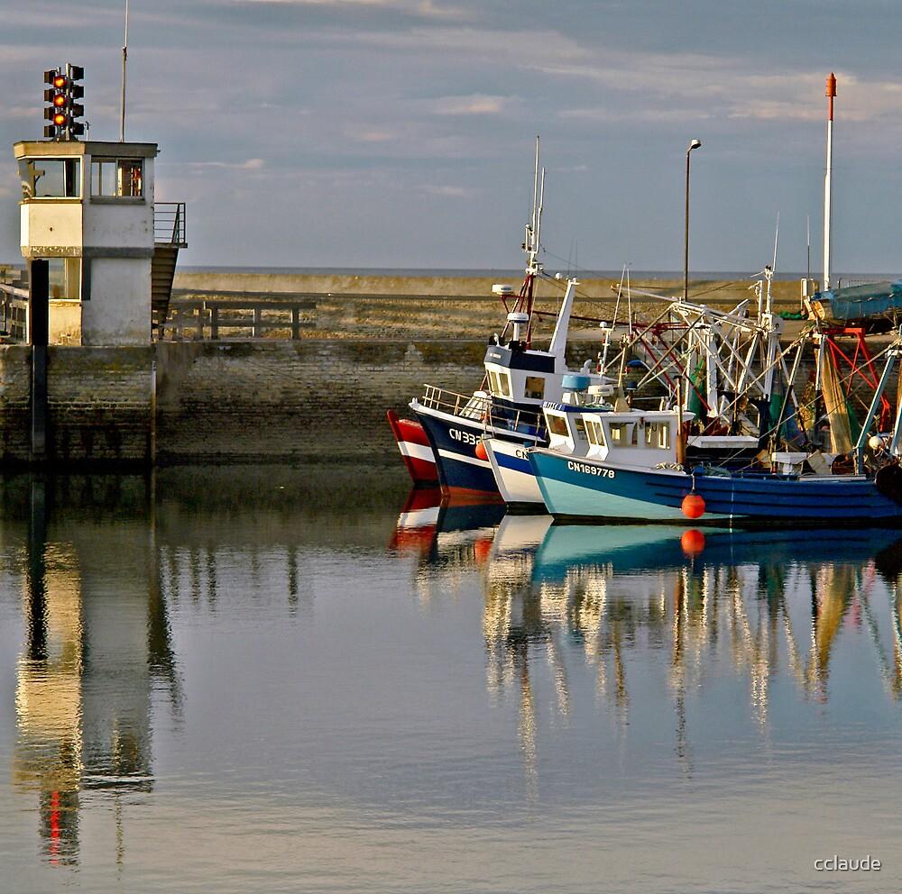 Le port de Grandcamp / Grandcamp Harbor by cclaude