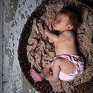 Newborn.. by aliciahibbins