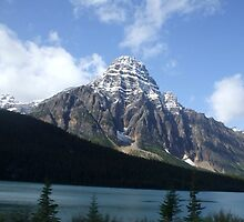 Bow Lake B.C. Canada by Ravred