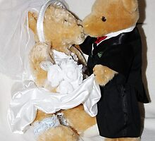 Teddy Wedding by AnnDixon