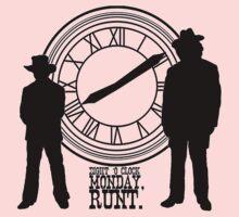 Eight o'clock, runt. Kids Tee