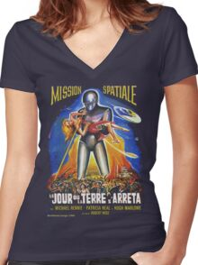 Grindhouse Lounge presents:The Day the Earth Stood Still(French promo) Women's Fitted V-Neck T-Shirt