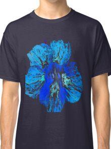 Blue flower tshirt Classic T-Shirt