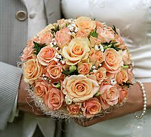 Cream-coloured bouquet. by fotorobs