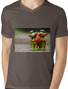 Frogs in love Mens V-Neck T-Shirt