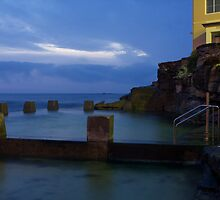 COOGEE BATHS SUNRISE by normanorly