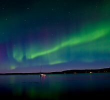 Auroras and The Lake by peaceofthenorth