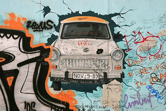 Fragment of Berlin wall by fotorobs