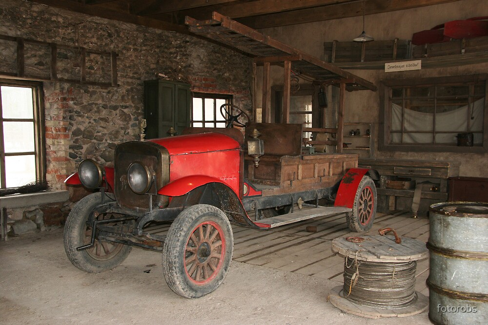 Antique fire-engine by fotorobs