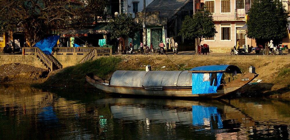 HouseBoat - Viet Nam by Jordan Miscamble