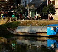 HouseBoat - Viet Nam by Jordan Miscamble