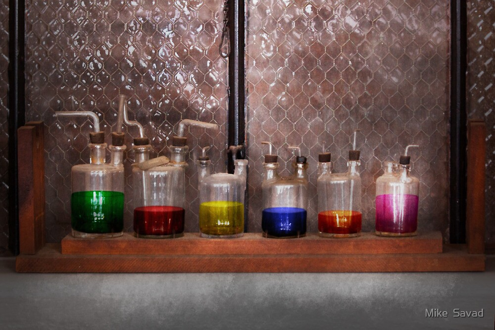Science - Chemist - Glassware for couples by Mike  Savad