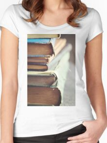 Well-loved Women's Fitted Scoop T-Shirt