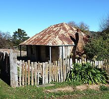 Louis Beyers Cottage, Hill End  by DashTravels