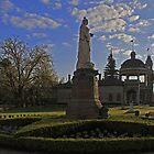 Queen Victoria Statue-Bendigo by Noel Elliot