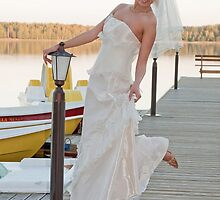 Bride on the lake by fotorobs