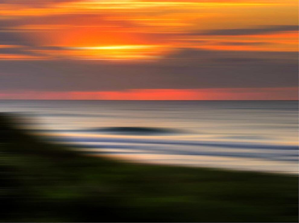 A sunny blur by Tyhe  Reading
