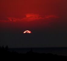 Red Sunset by jrier