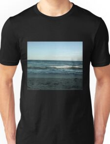 Wave in the ocean Unisex T-Shirt