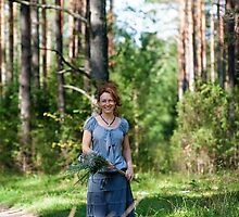 Walking in the wood by fotorobs