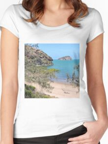 Island in the bay with trees and beach Women's Fitted Scoop T-Shirt