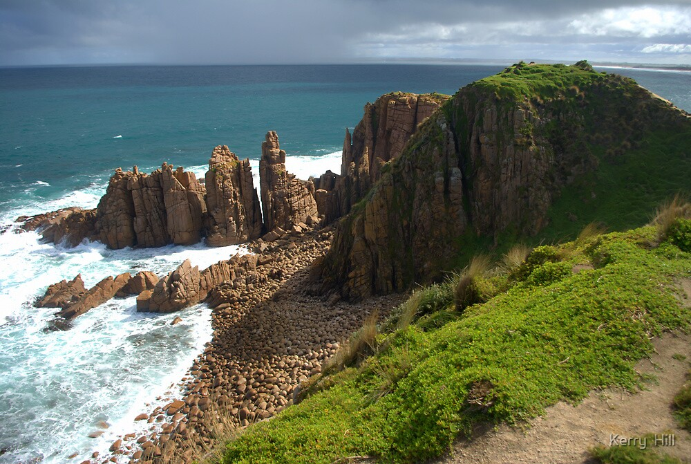 The Pinnacles by Kerry  Hill