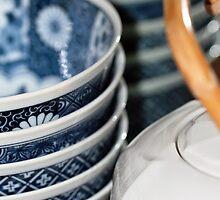 White teapot by Fizzgig7