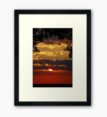 Sundown Splendor Framed Print