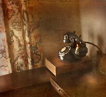 The Telephone by Patito49