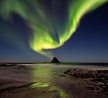 Northern lights over Bleik island by Frank Olsen
