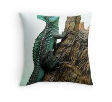 Some kind of lizard Throw Pillow