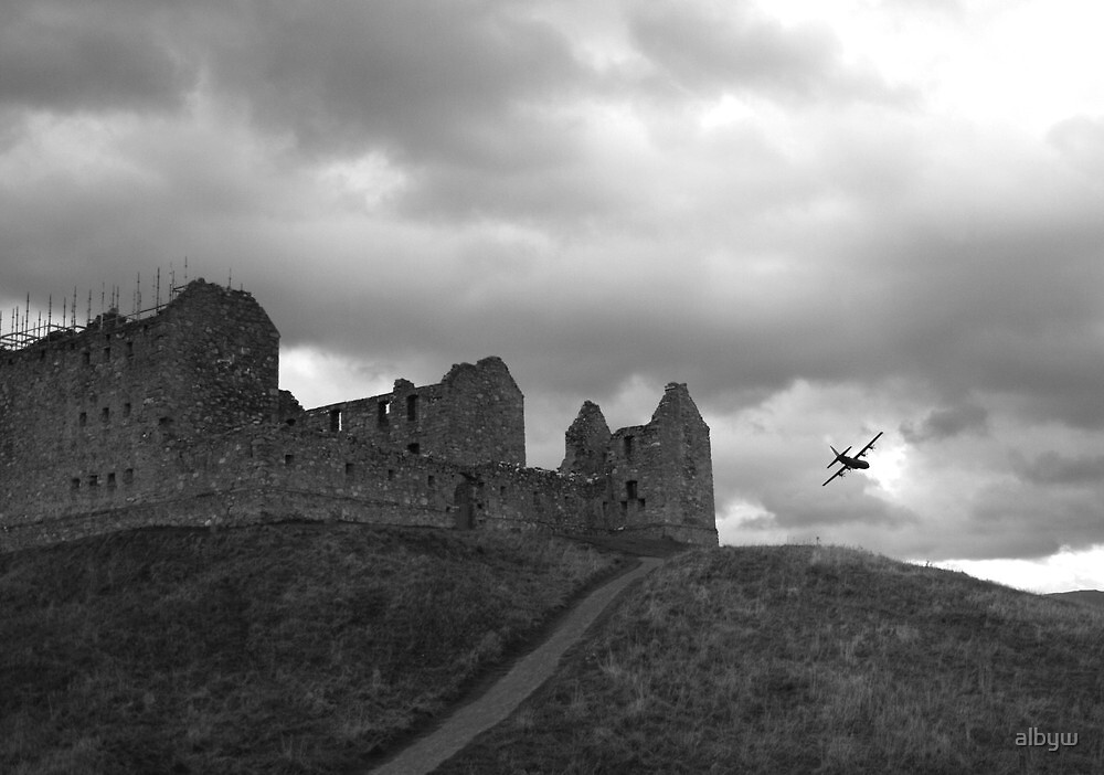 Ruthven Barracks and Hercules by albyw