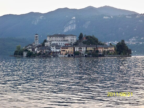 IL LAGO D'ORTA - ISOLA DI SAN  GIULIO - ITALY- EUROPA- 4500 visualizz.settembre 2013 -featured in italy 500+ & RB EXPLORE 14 NOVEMBRE 2011 --- by Guendalyn