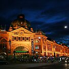 Melbourne Railway Station by Kelvin  Wong
