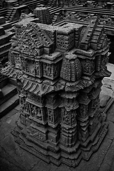 A small temple at Modhera Sun Temple, Gujarat by Biren Brahmbhatt