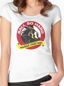 Carmen Sandiego - Everybody wanna find her Women's Fitted Scoop T-Shirt