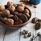 Nut Bowl by mispix