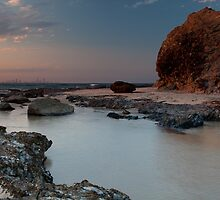Currumbin Rock by Reginadez
