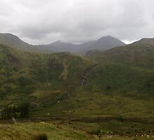Beautiful, Brooding Snowdonia by kalaryder