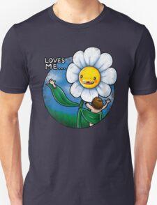 Loves me.. T-Shirt