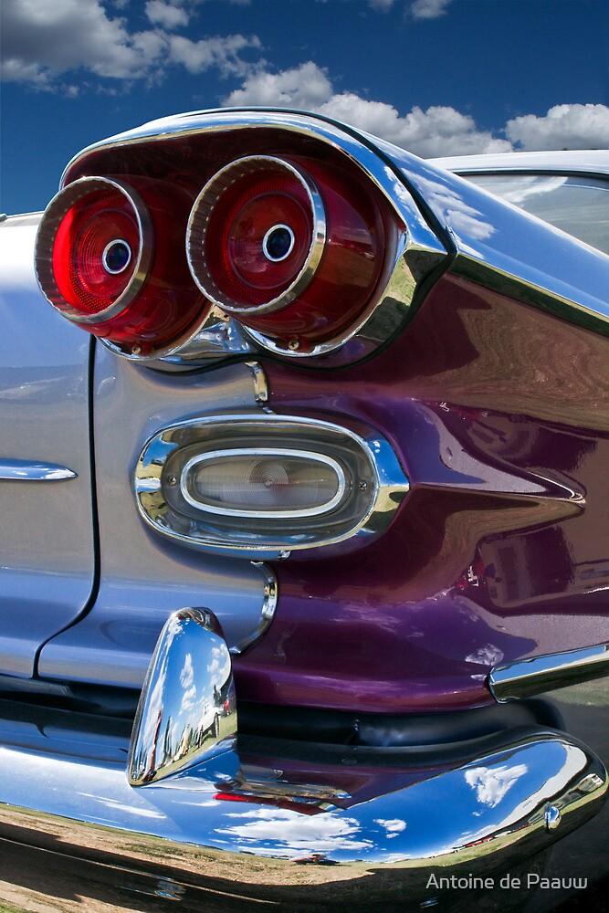 Pontiac Strato Chief by Antoine de Paauw