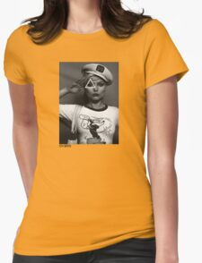 OVERFIFTEEN YES SIR ( BLONDIE ) T-Shirt
