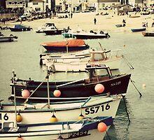 St Ives Harbour by lorrainem