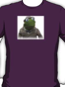 Blurred kermit reporter T-Shirt