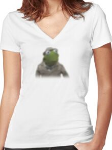 Blurred kermit reporter Women's Fitted V-Neck T-Shirt