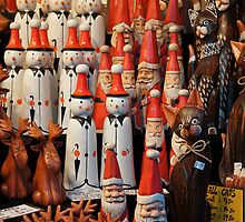 Bavarian Santas, Snowmen & Tall Cats by maekstar