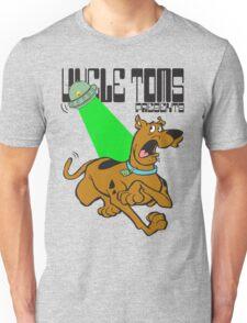 scooby versus spongebob by rogers bros T-Shirt