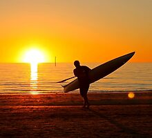 Lone board rider at Seacliff by BenClarkImagery