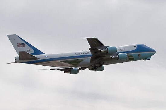 92-9000 Air Force One side shot by Henry Plumley